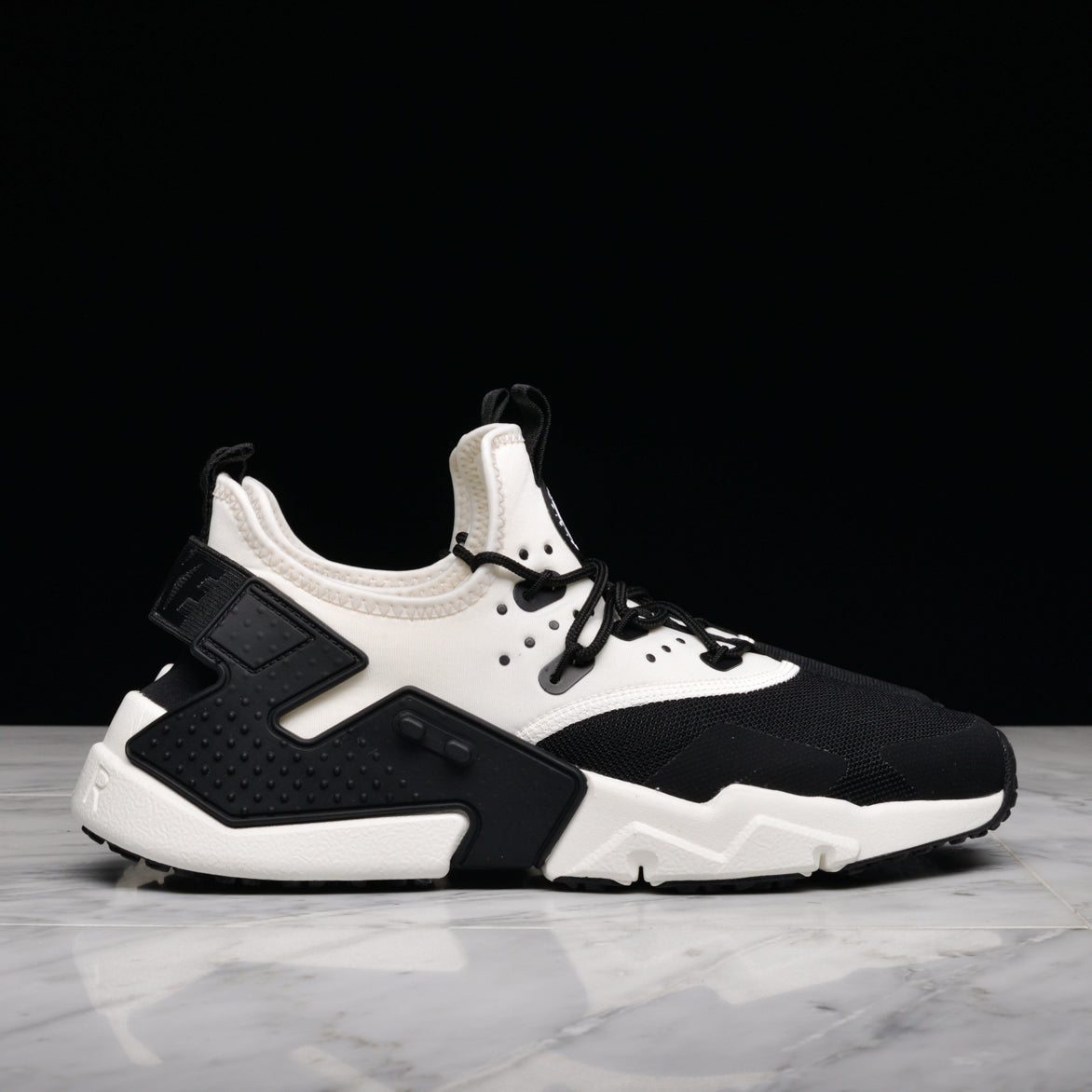 new product e6720 0fced AIR HUARACHE DRIFT - BLACK / WHITE