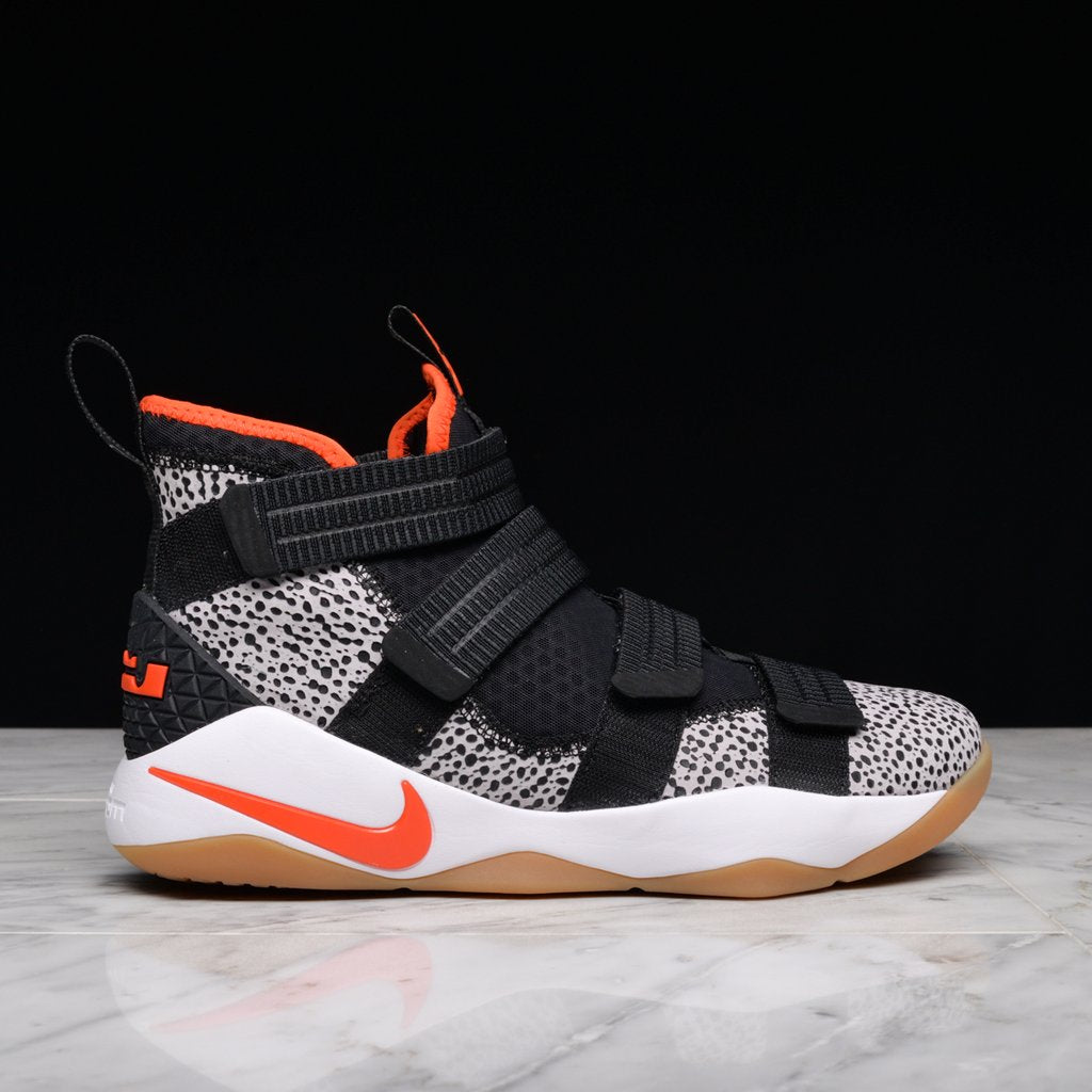 the best attitude a563c deb6b LEBRON SOLDIER XI SFG