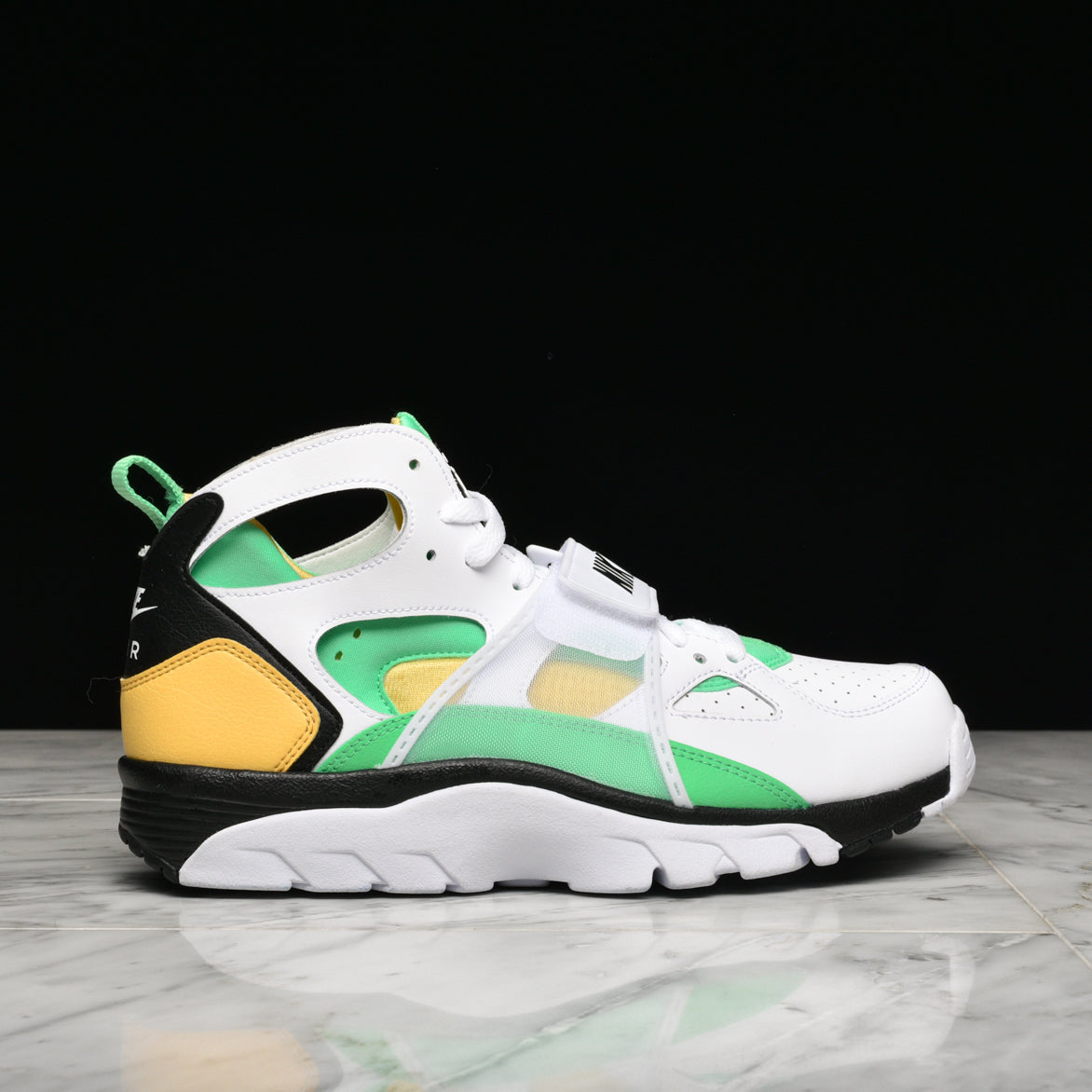 AIR TRAINER HUARACHE - WHITE / ELECTRO GREEN / GOLD