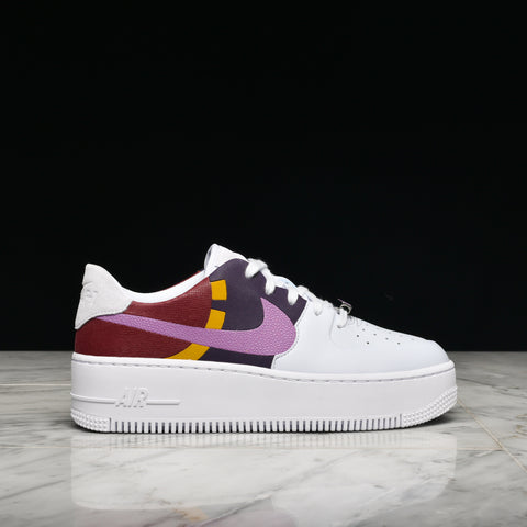WMNS AIR FORCE 1 SAGE LOW LX - FOOTBALL GREY / DARK ORCHID