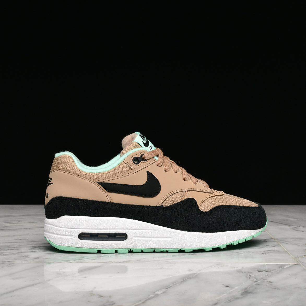 WMNS AIR MAX 1 DESERT BLACK GREEN GLOW
