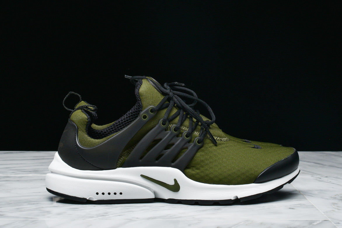 NIKE AIR PRESTO ESSENTIAL - LEGION GREEN