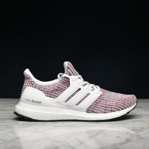 ULTRABOOST - CLOUD WHITE / COLLEGIATE NAVY