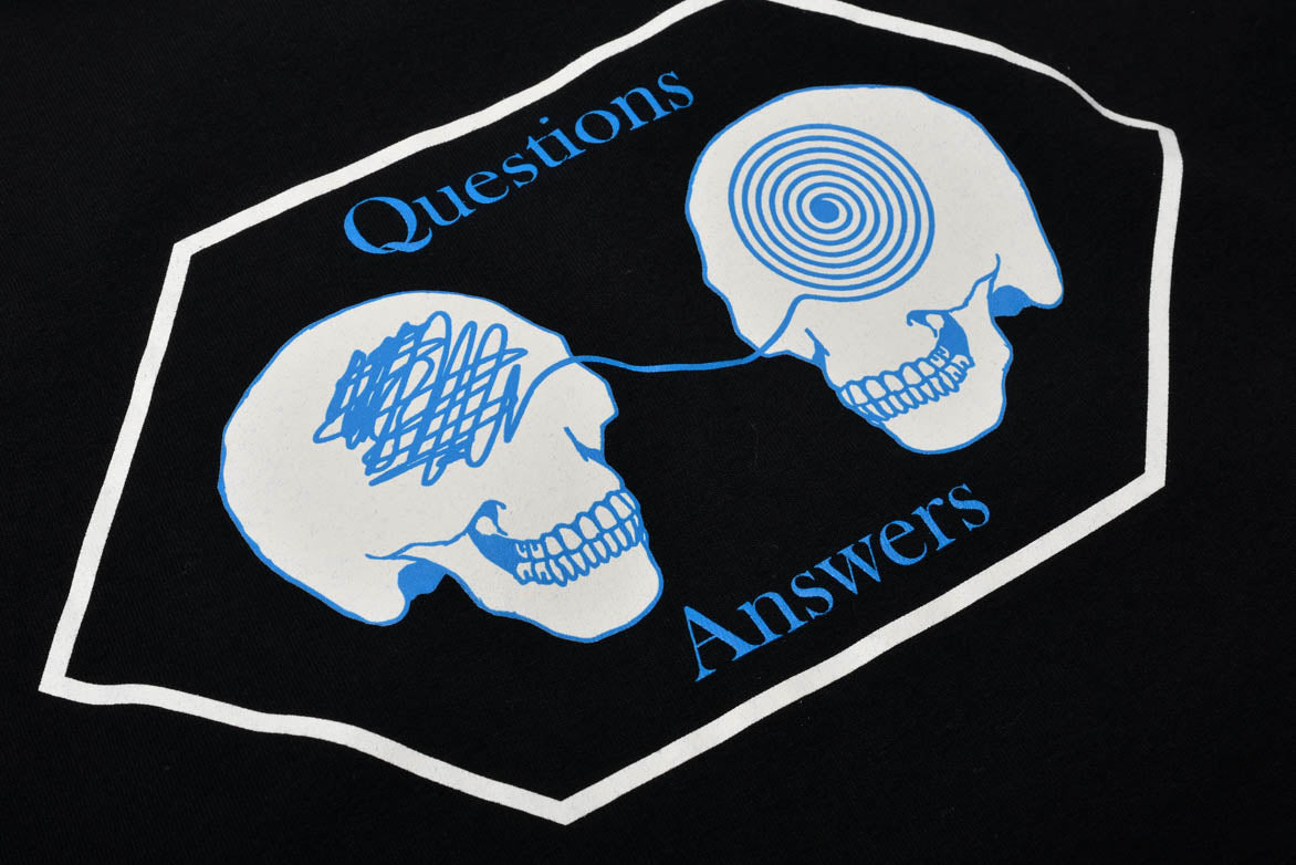 QUESTIONS ANSWERS TEE - BLACK