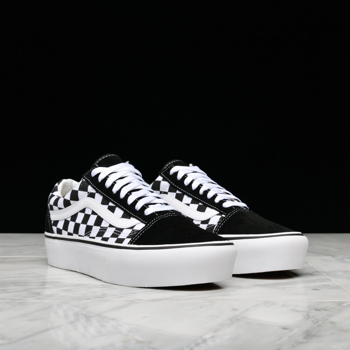92a17a54935 ... OLD SKOOL PLATFORM CHECKERBOARD - BLACK   WHITE ...