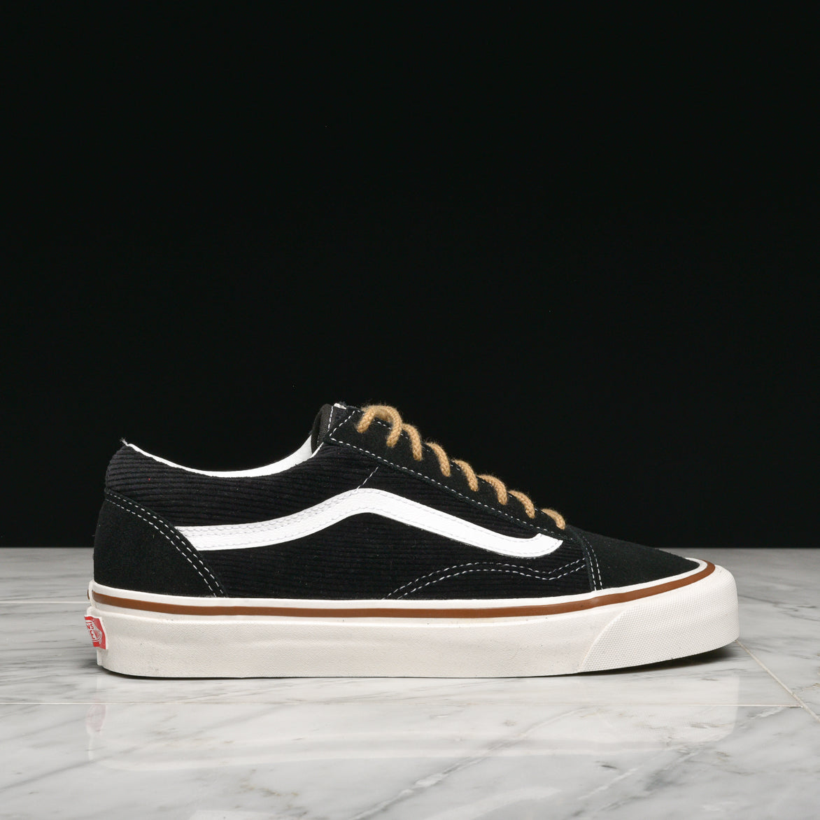 ANAHEIM FACTORY OLD SKOOL 36 DX - OG BLACK   WHITE ... 4442a4f0432c