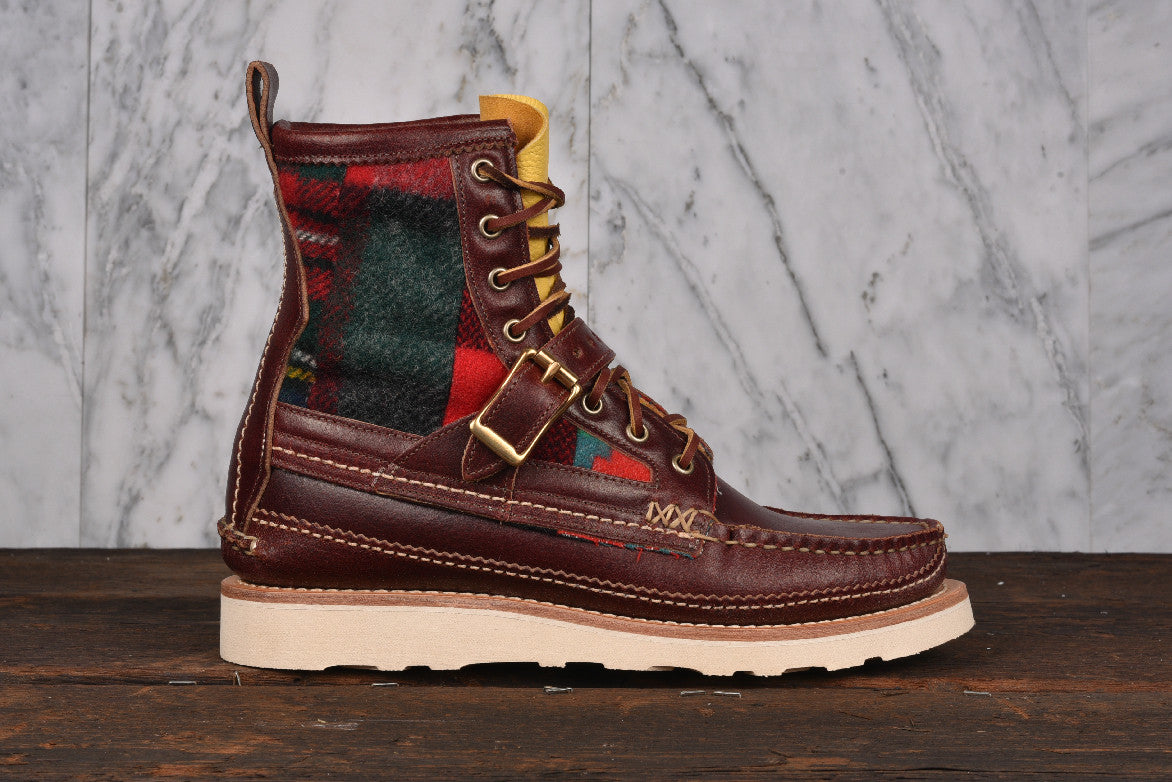 MAINE GUIDE DB BOOTS WITH STRAP - RED QUILT