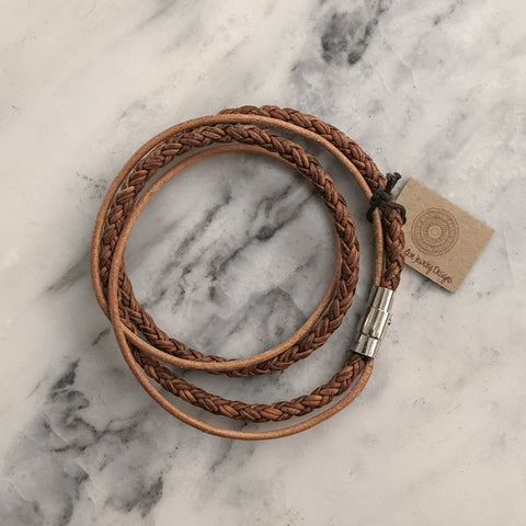 ROUND BRAIDED LEATHER WRAP BRACELET - NATURAL