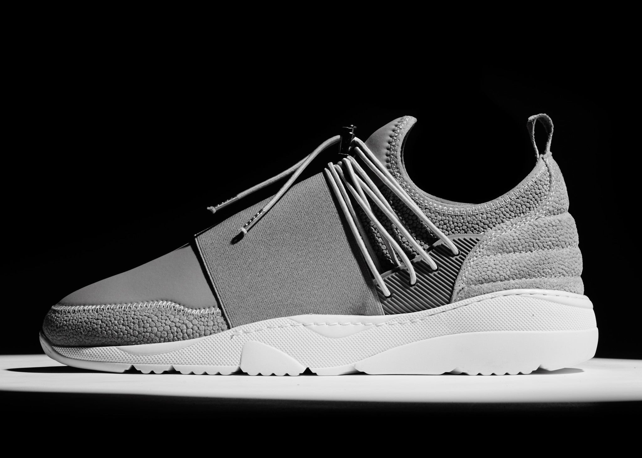 RUNNER 3.0 LOW FUSE - GREY / WHITE