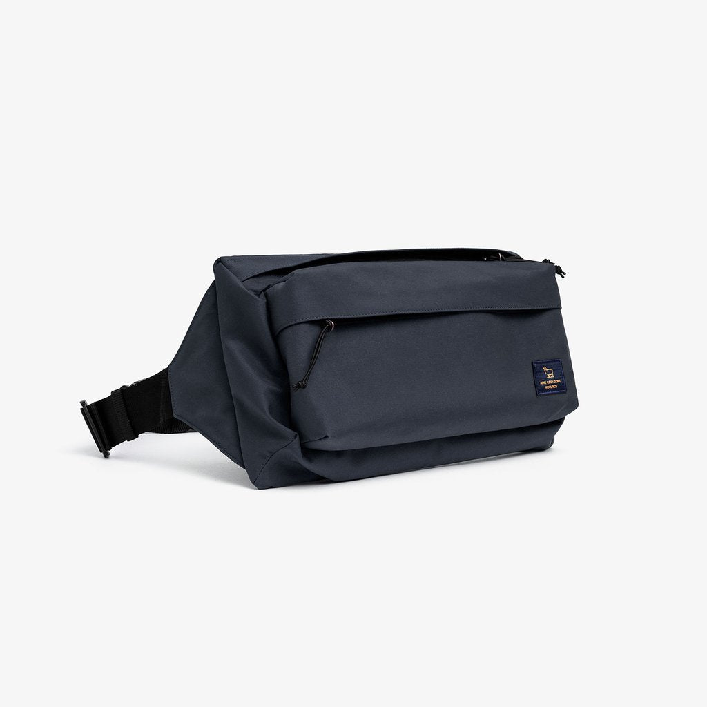 WOOLRICH LARGE SHOULDER PACK - NAVY