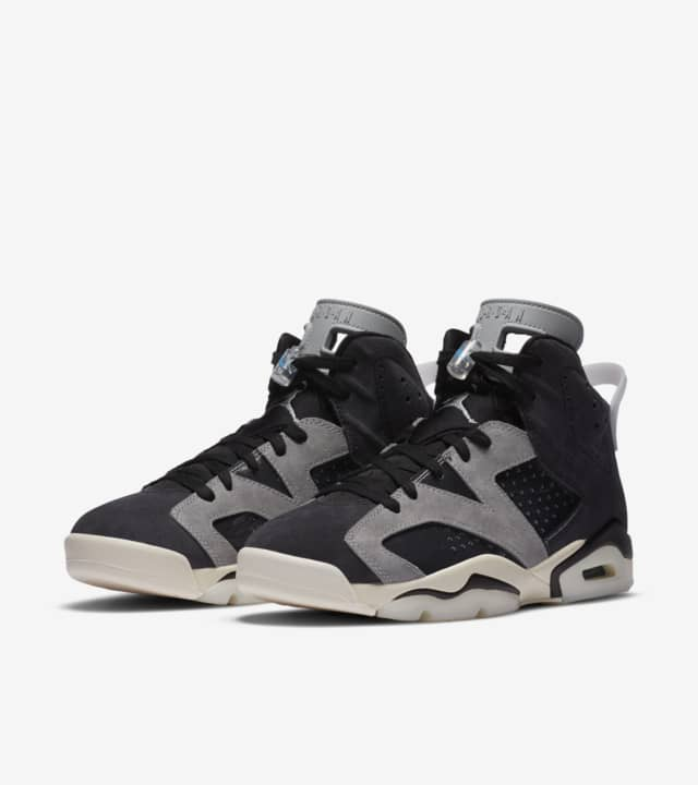 "WMNS AIR JORDAN 6 ""TECH CHROME"""