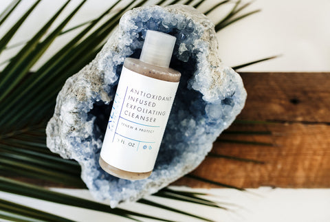 ANTIOXIDIANT INFUSED EXFOLIATING CLEANSER