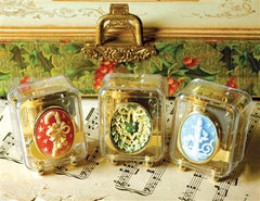 Christmas Cameo Music Boxes