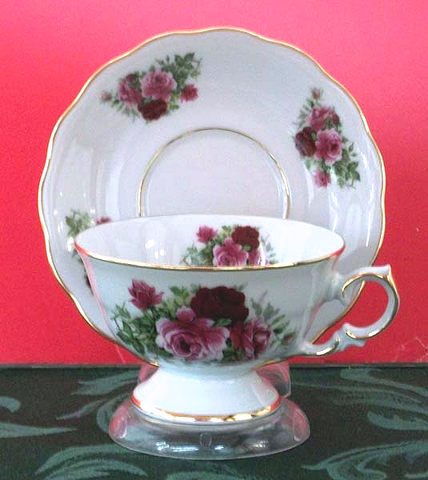 Laurel Tea Cup and Saucer