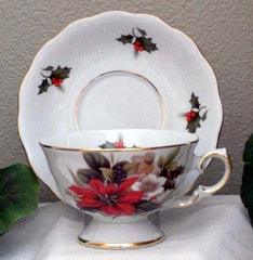 Laurel Tea Cup Poinsettia
