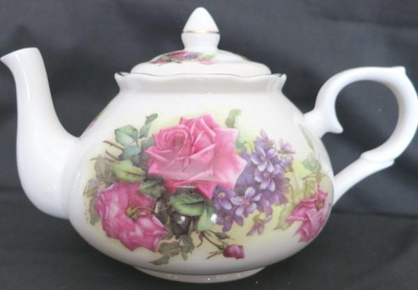 6C Sando Pink English Bone China Teapot - Roses And Teacups