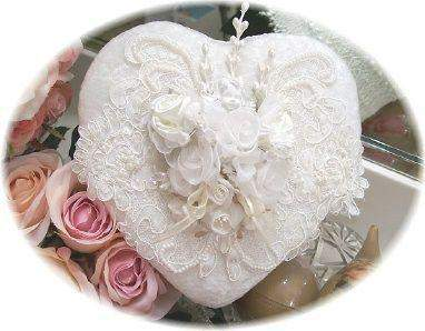 Beaded Heart Box - Ivory - Roses And Teacups