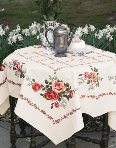 Cape May Roses Tablecloth - Roses And Teacups