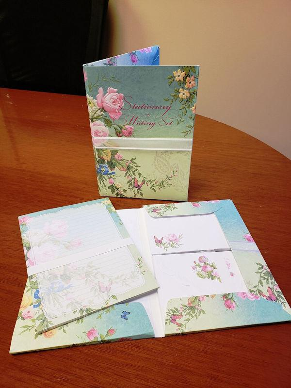 Carol Wilson Writing Set Enchanted Garden - Roses And Teacups