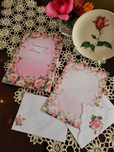Carol Wilson Writing Set Roses in Bloom-Roses And Teacups
