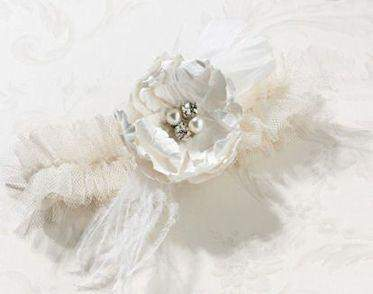 Chic and Shabby Ivory Garter - Roses And Teacups