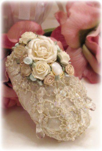 Gilded Opulence Paperweight Soap - Roses And Teacups