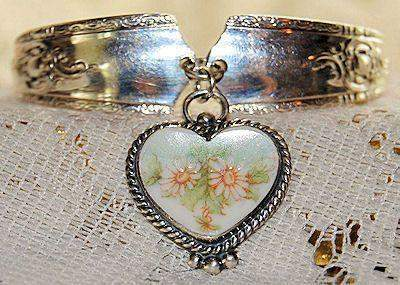 """Painted Daisies"" Silver Spoon Bracelet - Roses And Teacups"