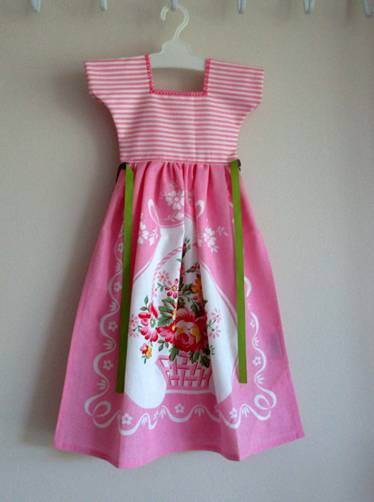 Pretty in Pink Kitchen Oven Dress Towel - Only One Available! - Roses And Teacups
