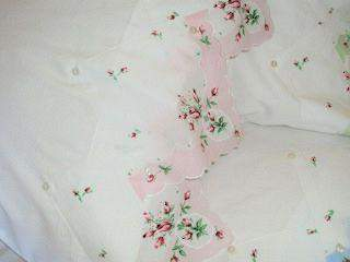 Set of 2 Pink Cameo Hankie Pillowcase - Roses And Teacups