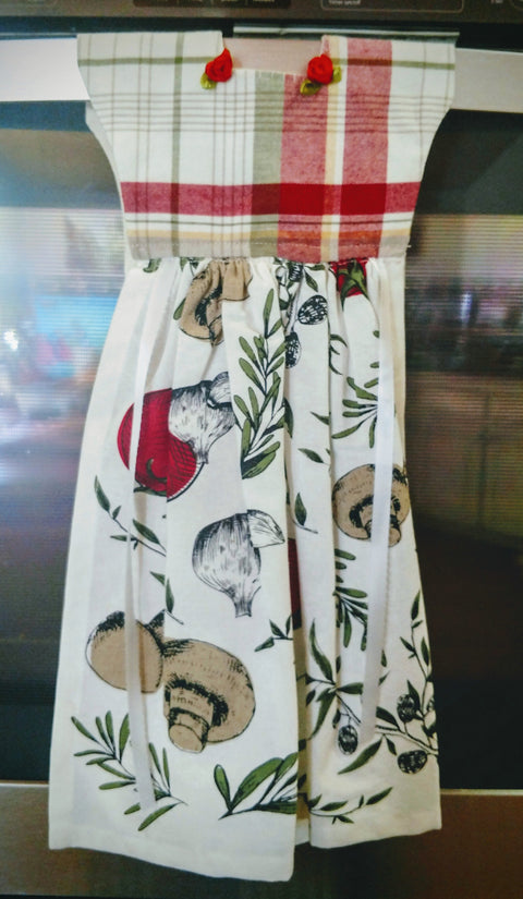Tomatoes, Garlic, and Mushrooms Kitchen Oven  Dress Towel - Roses And Teacups