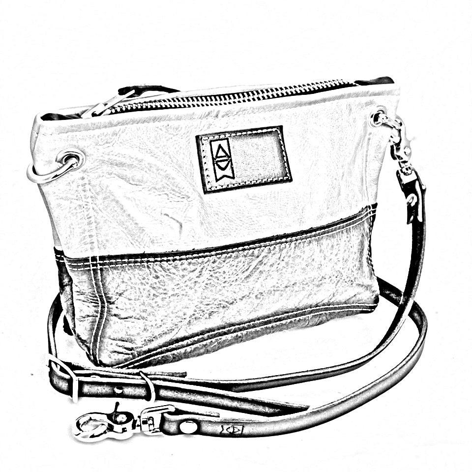 Custom | Tourist Cross Body Handbag