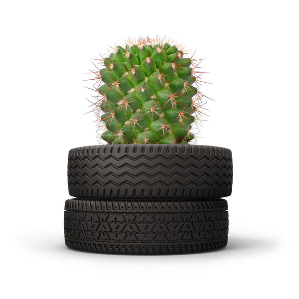 Fred and friends yard goods ceramic tire stack planter