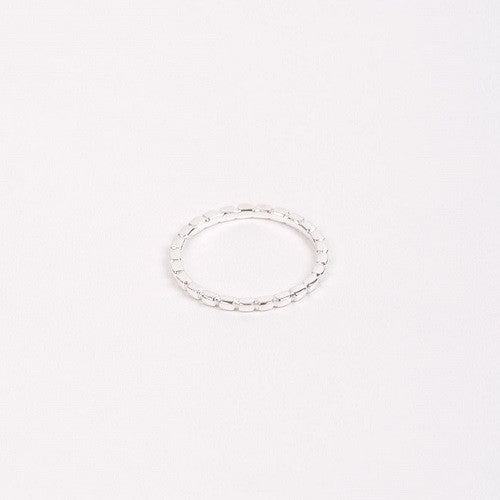 Jukserei-Notch-ring-silver-sølv