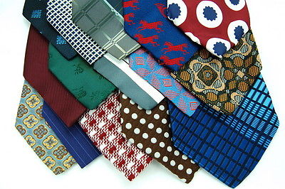 30 Vtg FAT WIDE POLY CRAFT NECKTIE TIES Quilting Sewing School Project LOT