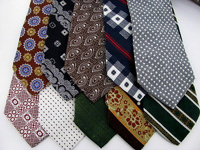 30 VINTAGE Rare FAT WIDE POLYESTER CRAFT Quilting Wearing NECKTIE NECK TIE LOT