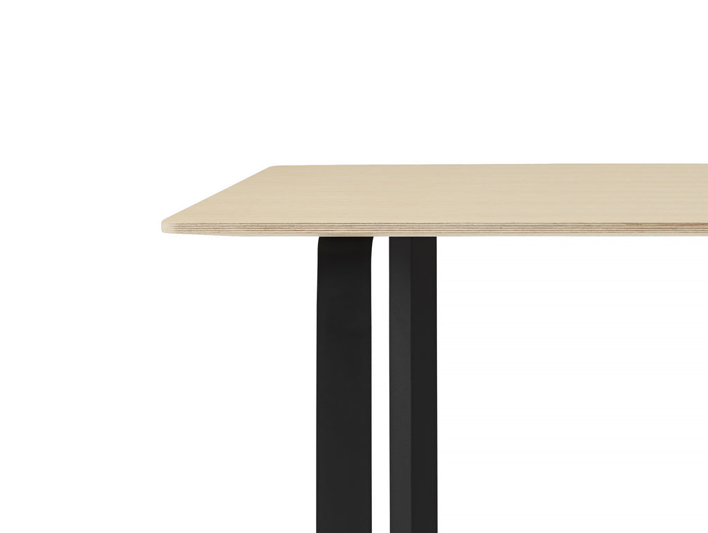 70/70 Table by Muuto - Oak / Black