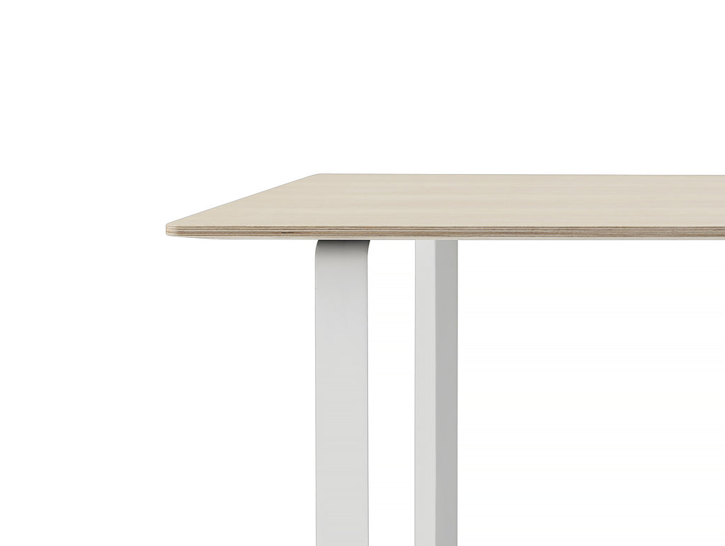 70/70 Table by Muuto - Oak / White