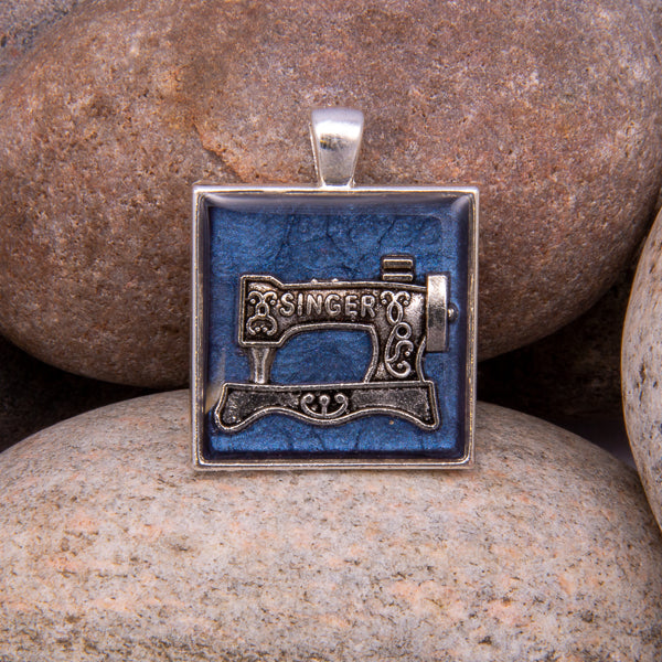 Handcrafted Bespoke Sewing Machine Pendant; set in Silver Effect metal bezel.| Jabbawocky Crafts (jabbawockycrafts.co.uk)