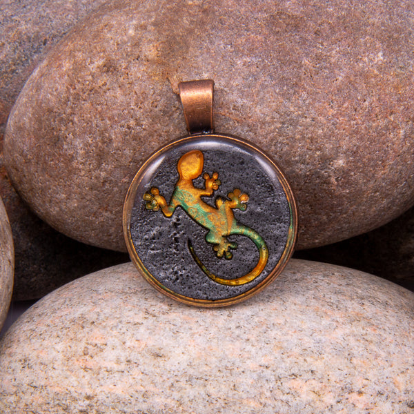 Handcrafted Bespoke Lounging Lizard Pendant; set in Bronze Effect metal bezel.| Jabbawocky Crafts (jabbawockycrafts.co.uk)