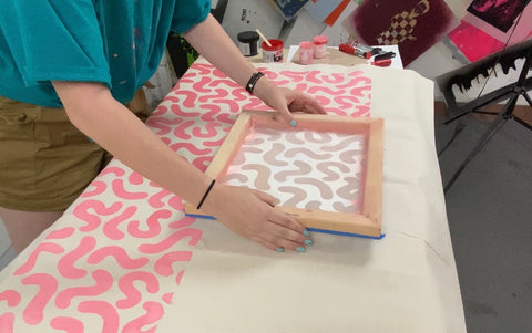 Repeating a silk screen pattern