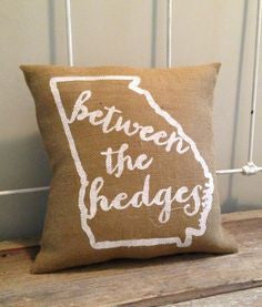 Stencil Stop - UGA Between the Hedges Burlap Pillow