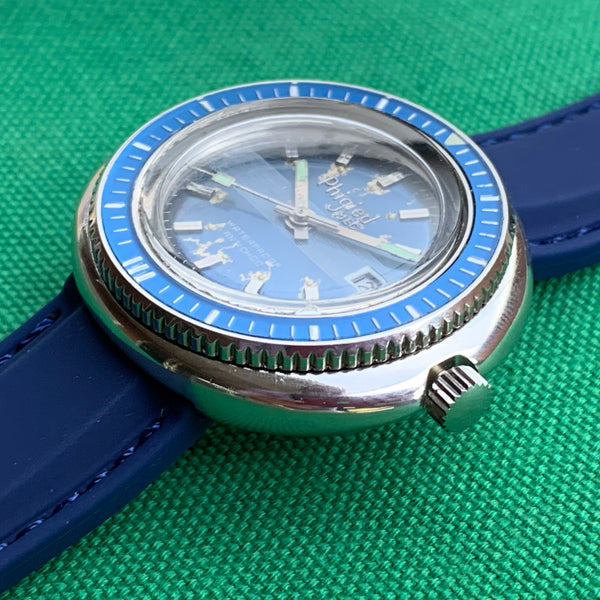 Phigied MEC UFO Diver With Date