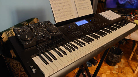 Casio WK-7600 electronic piano