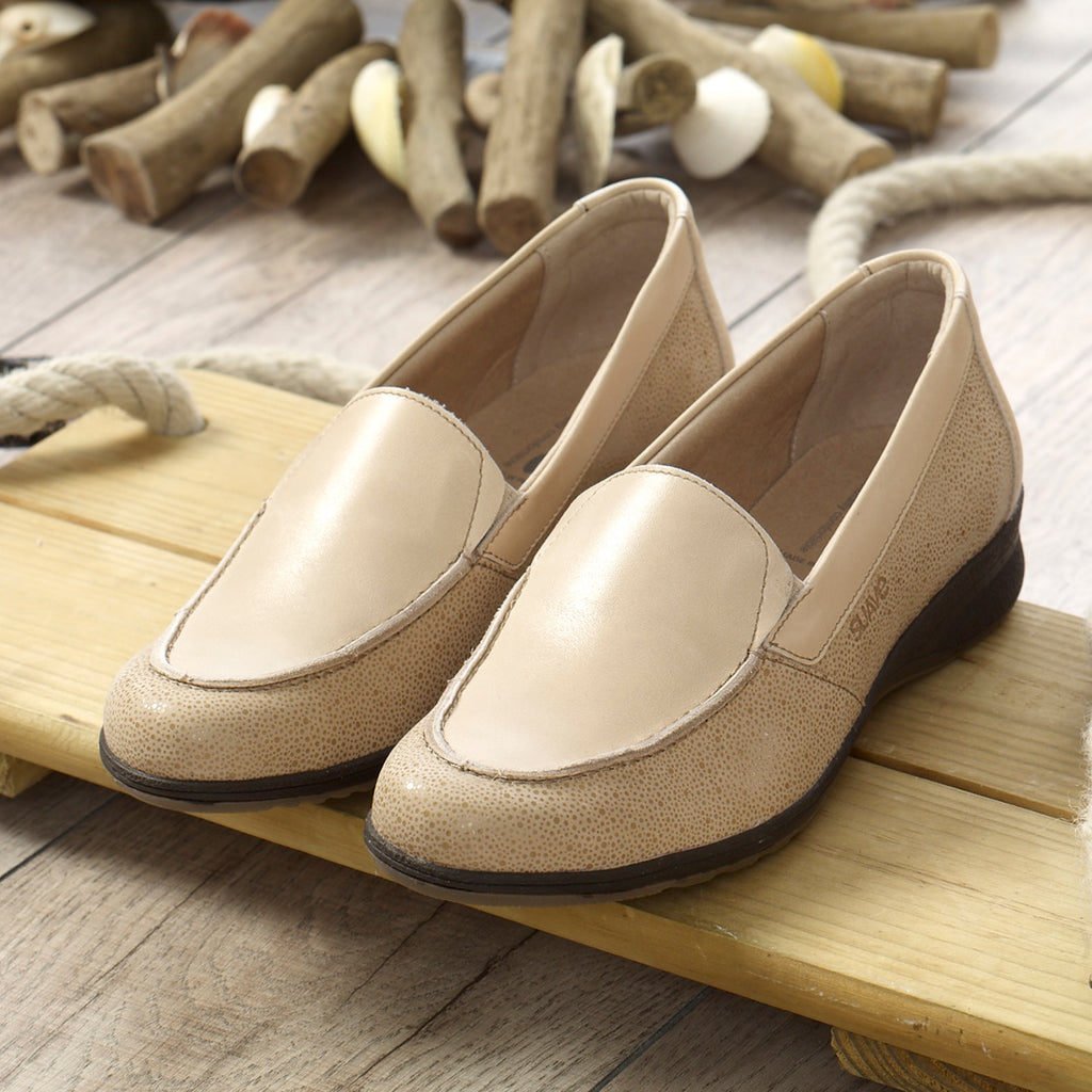 Bell - Beige Leather Shoe