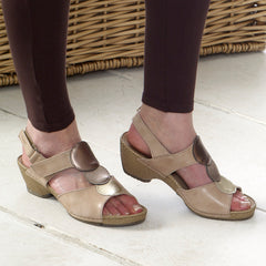 Gala - Peach Leather Sandal