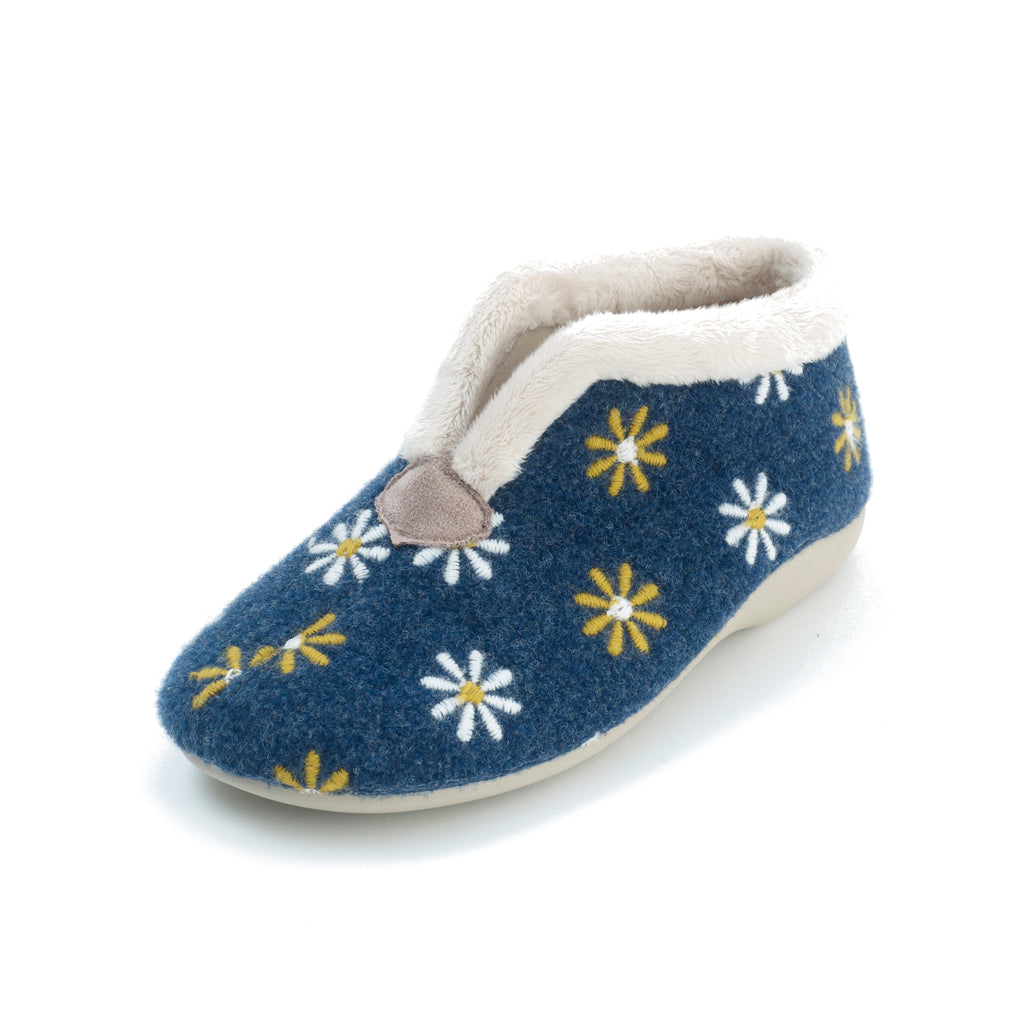Peggy - Blue Slipper