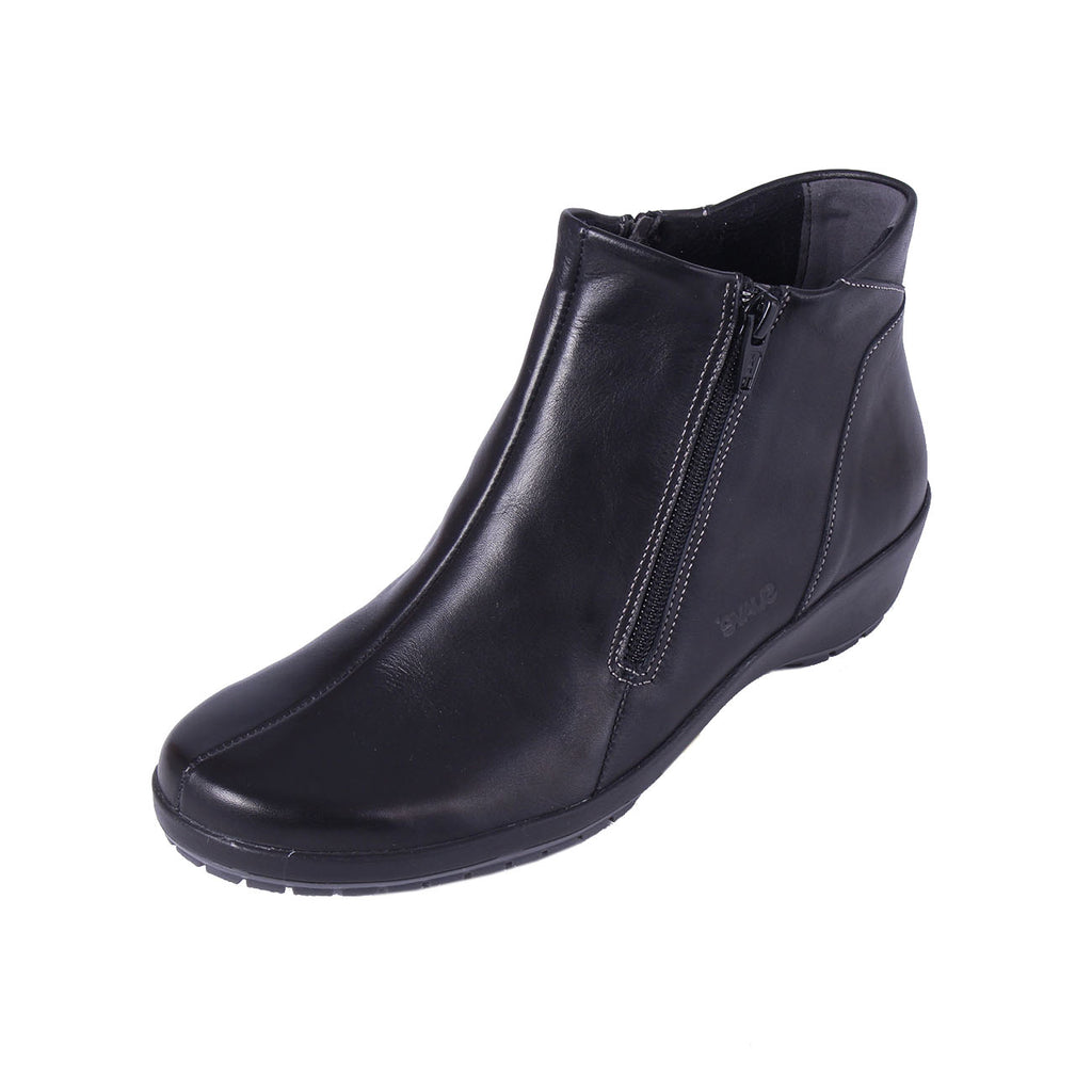 Quinn - Black Leather Boot