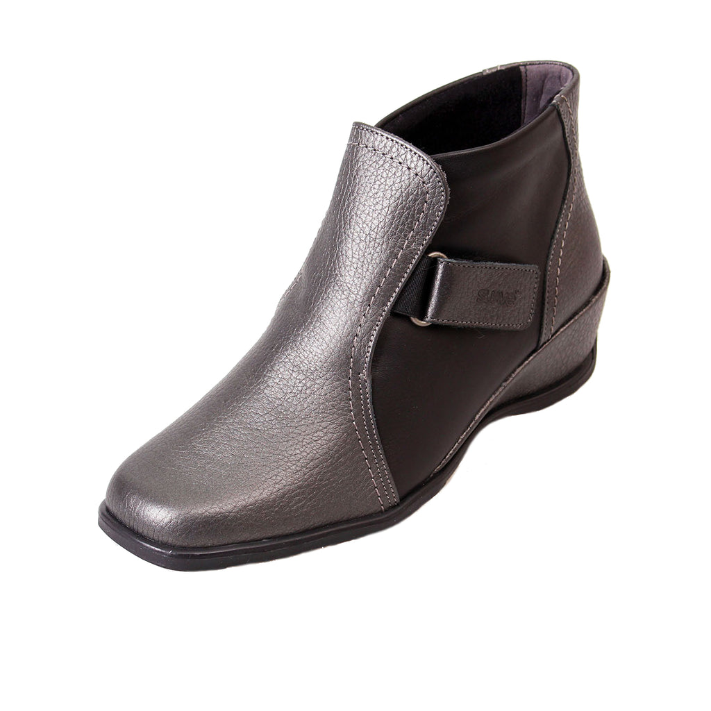Sasha - Black/Iron Leather Boot