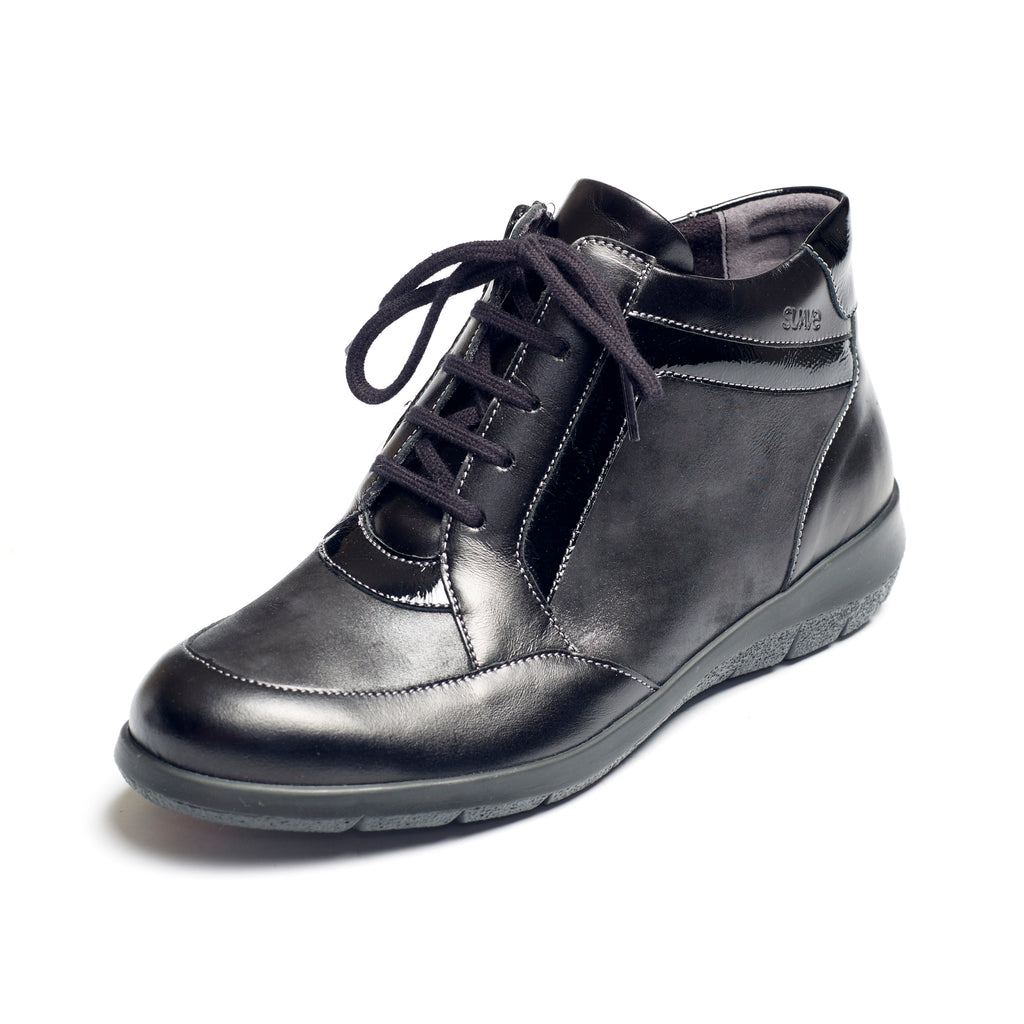 Riva - Black Leather Boot