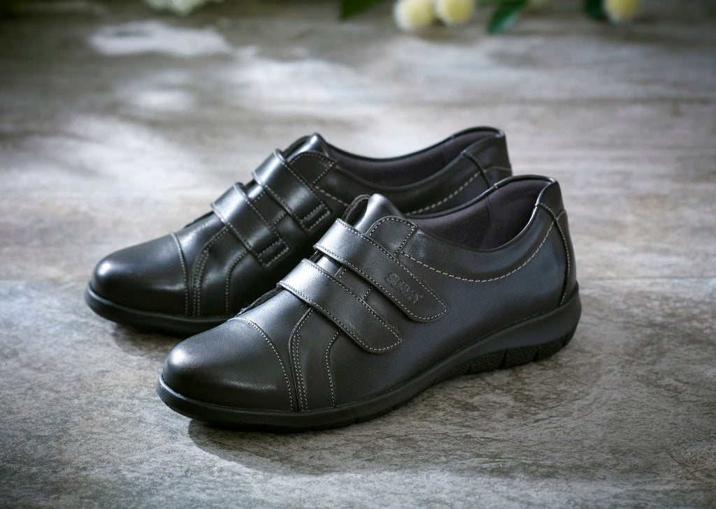 Louise - Black Leather Shoe